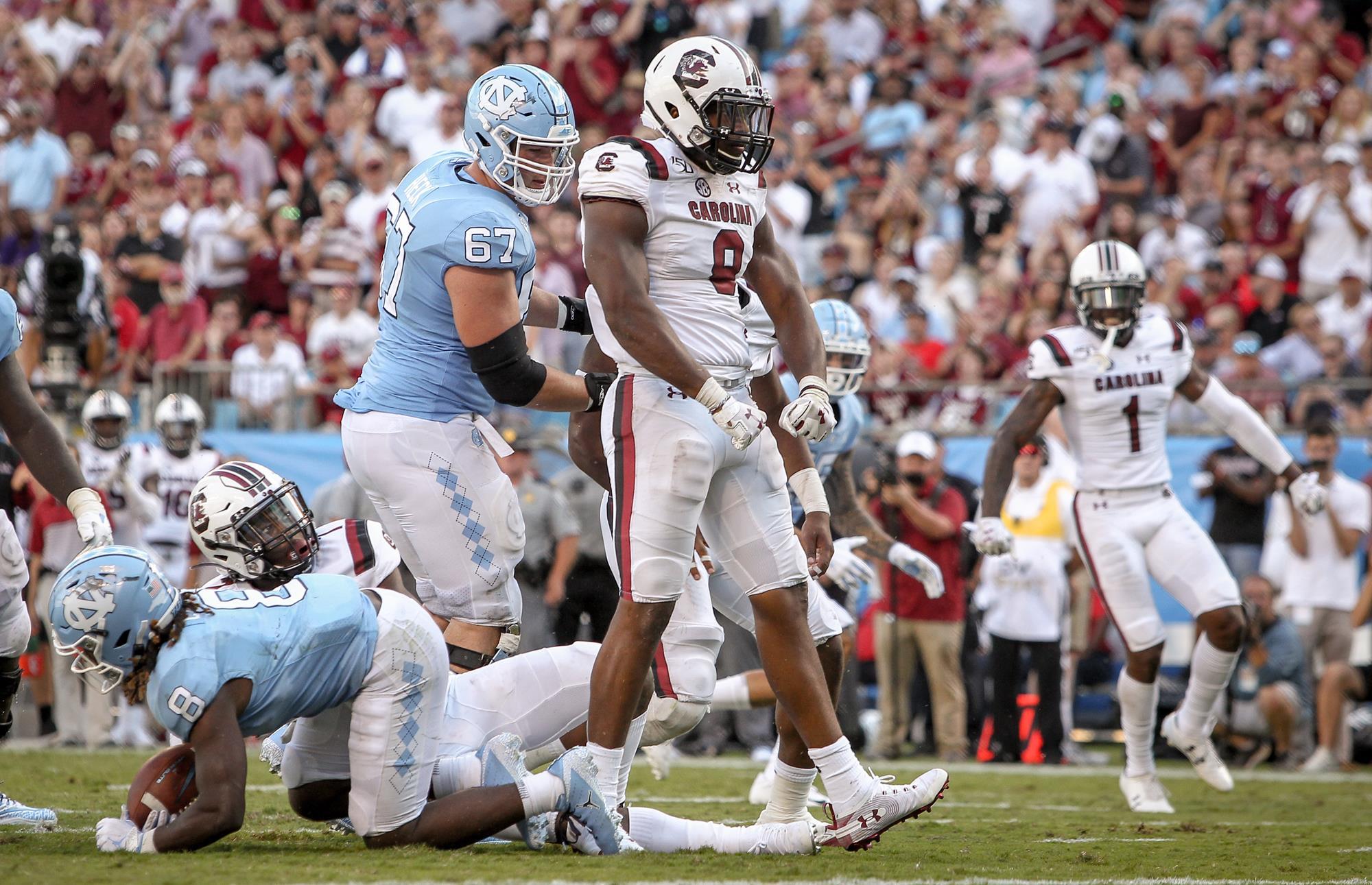 D.J. Wonnum (8), (Photo courtesy of University of South Carolina Athletics)