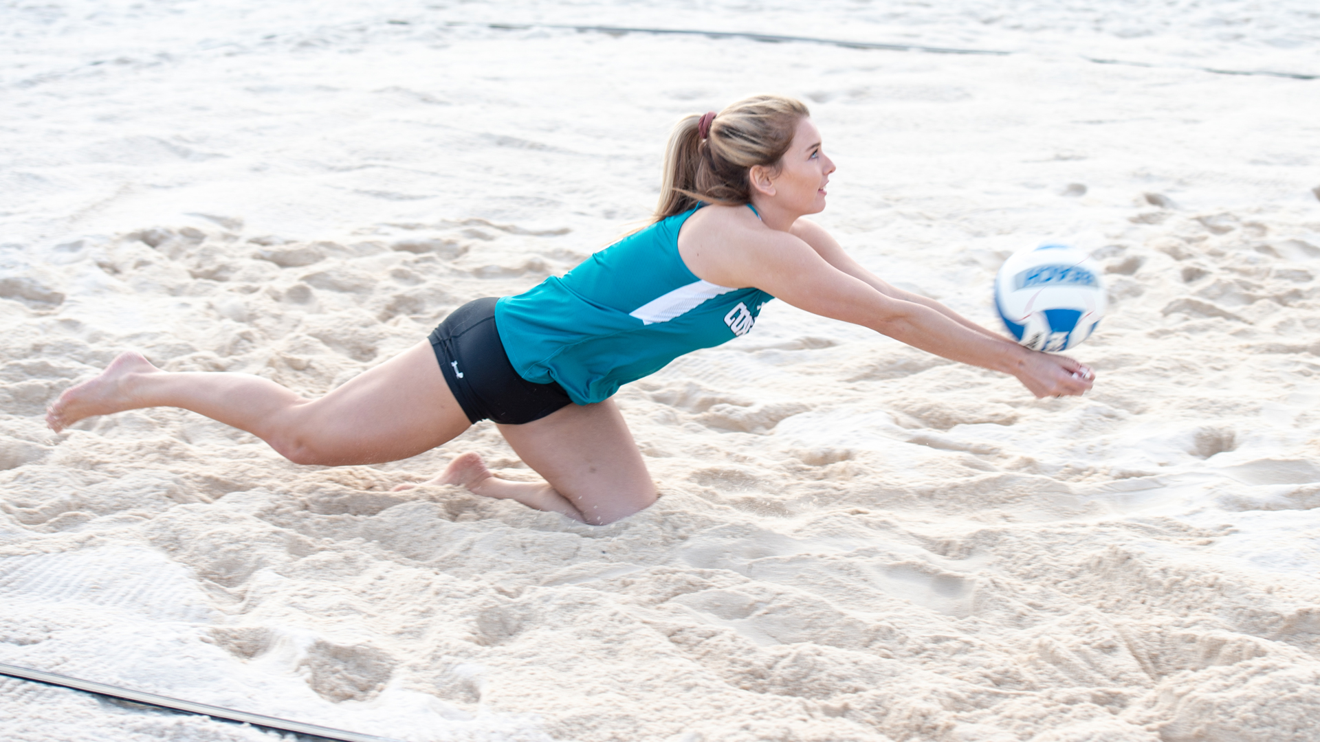 Lucy Campbell - Women's Beach Volleyball - Coastal Carolina