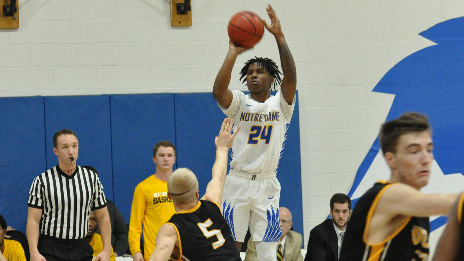 Halil Parks Men S Basketball Notre Dame College Athletics