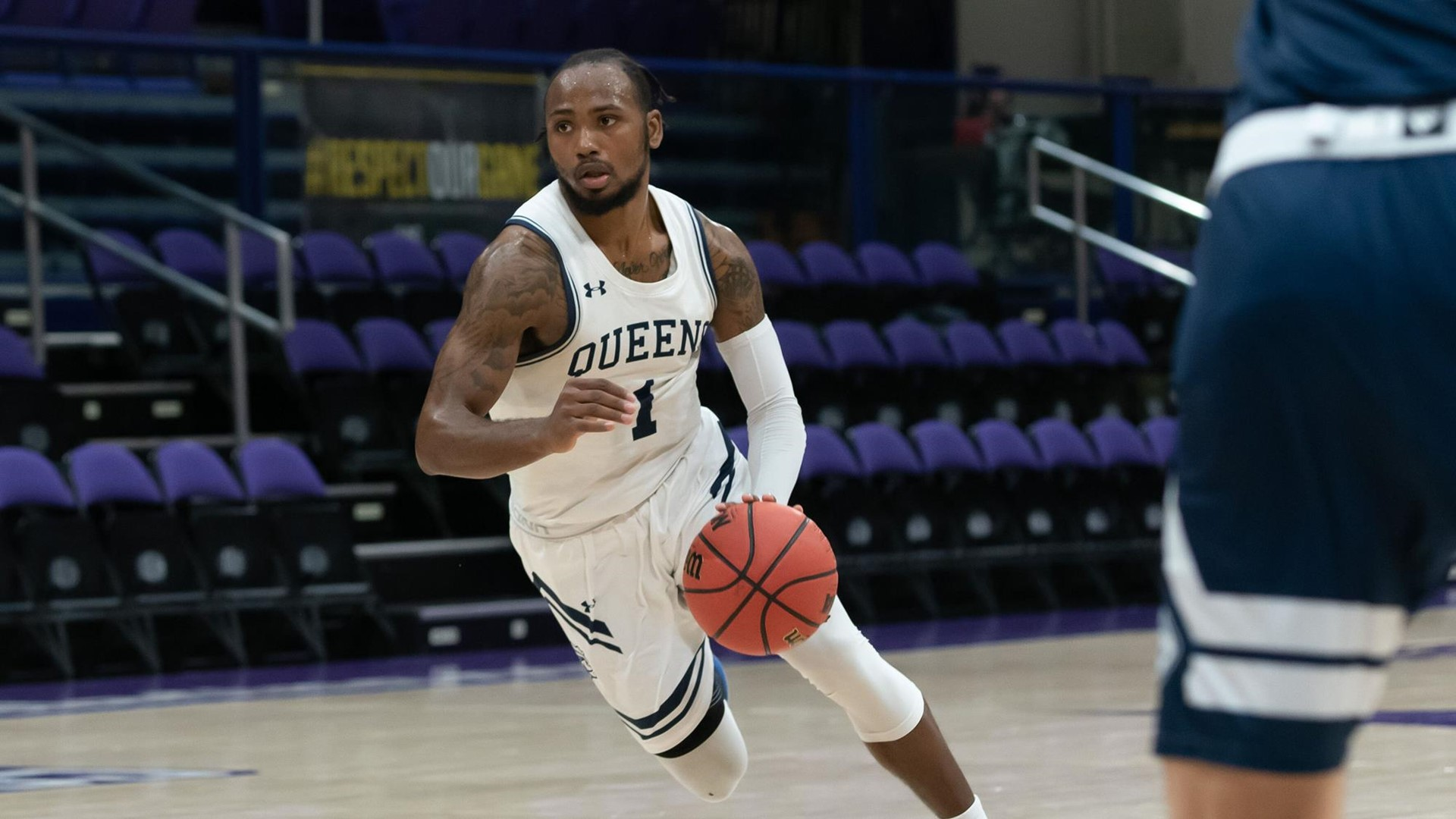 Daniel Carr 2019 2020 Men S Basketball Queens University Of Charlotte Athletics