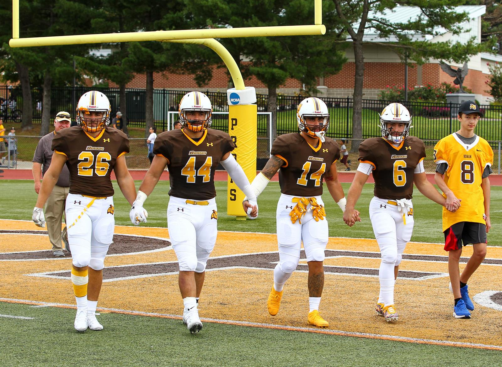 Football Closes Out Year vs. TCNJ; Seniors & Military to ...