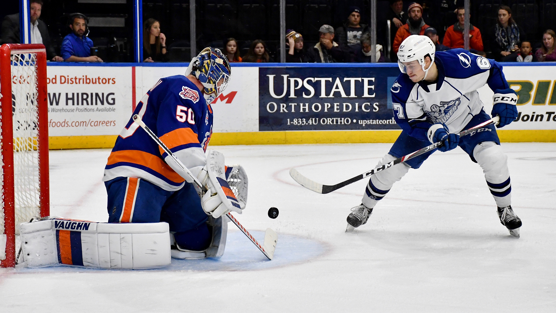 Syracuse Crunch overpower Bridgeport Sound Tigers, 5-1