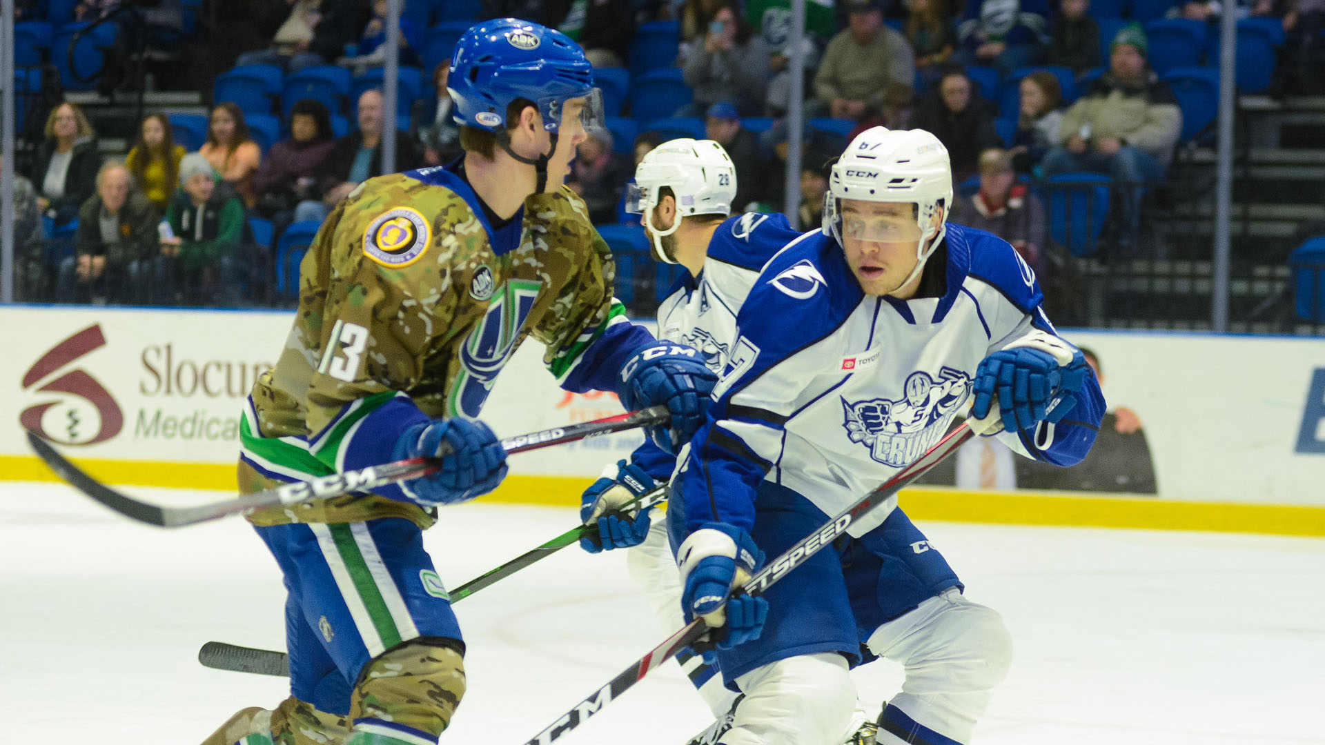 Crunch defeat Comets, 3-1