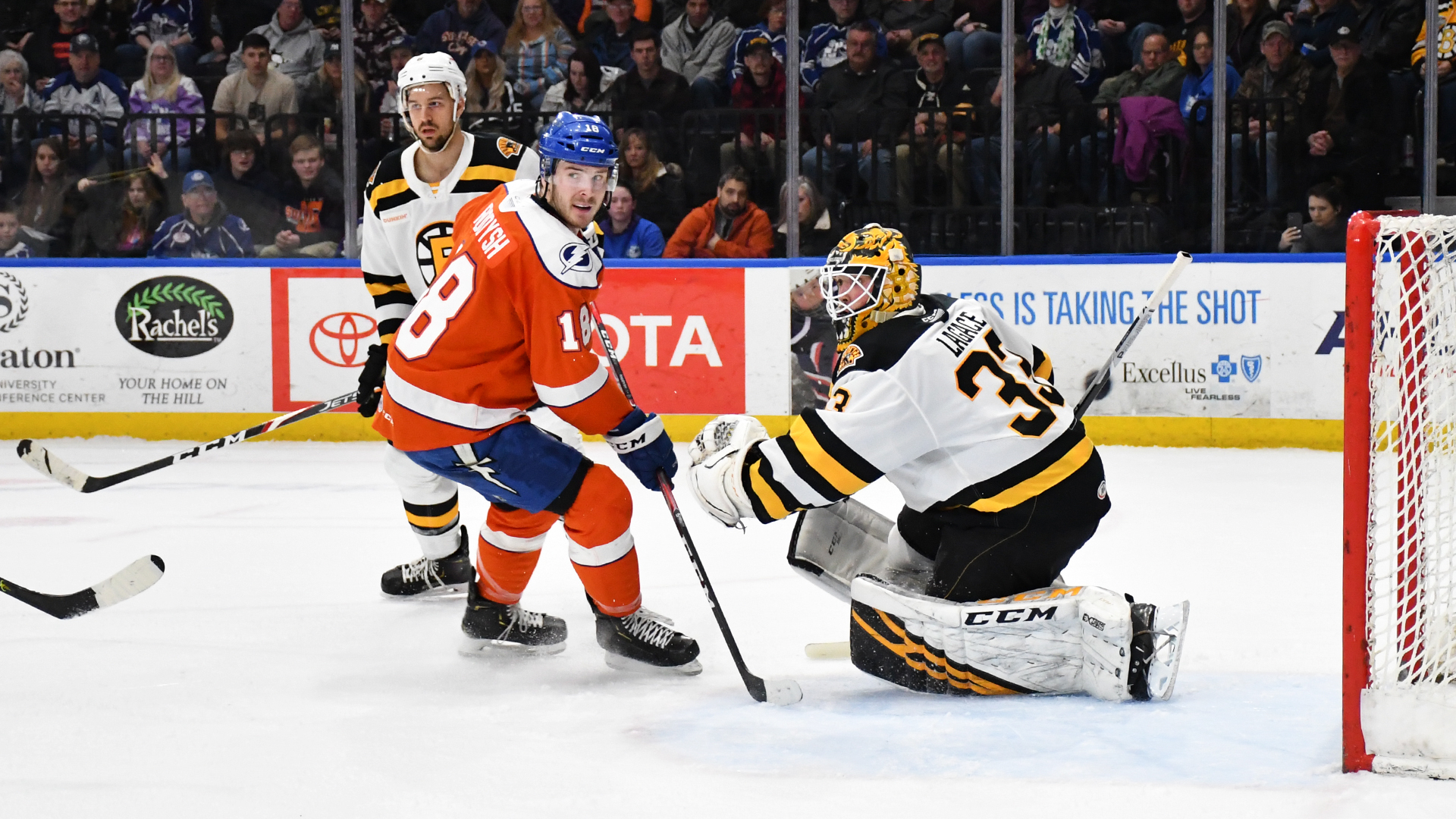 Crunch fall to Bruins, 6-2