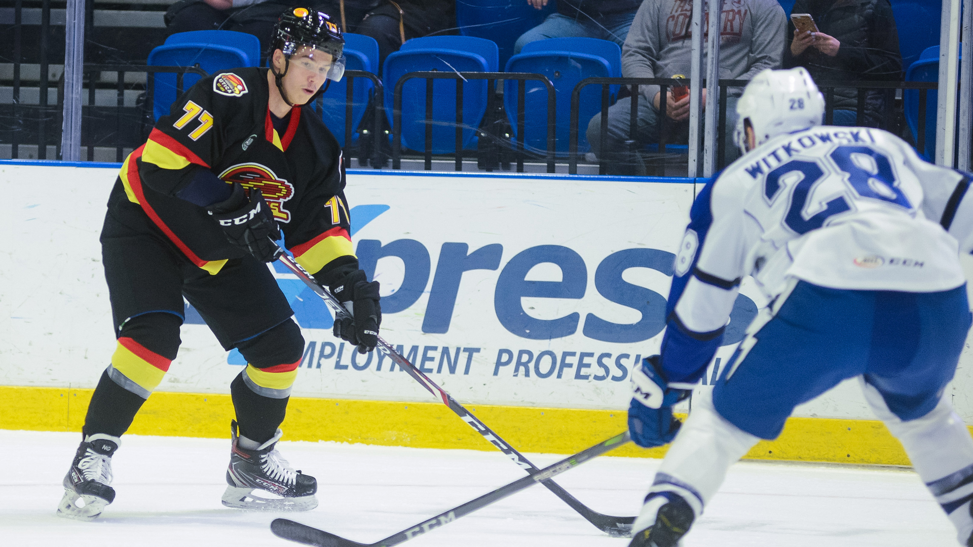 Crunch roll past Comets, 3-1
