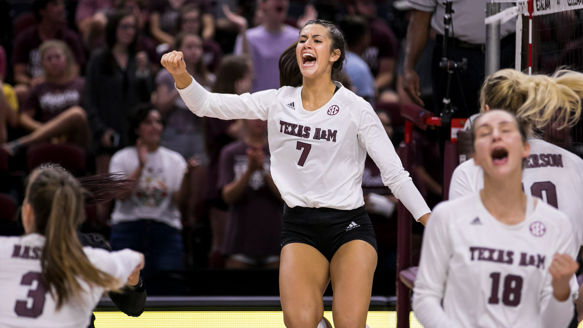 Lauren Davis Volleyball Texas A M Athletics Home Of The 12th Man