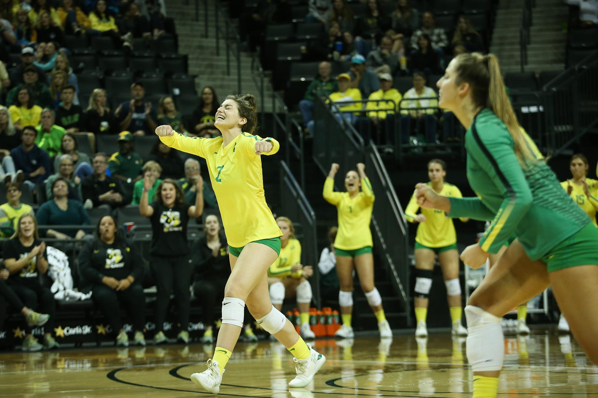 College volleyball: No. 6 Pitt beats No. 10 Oregon in