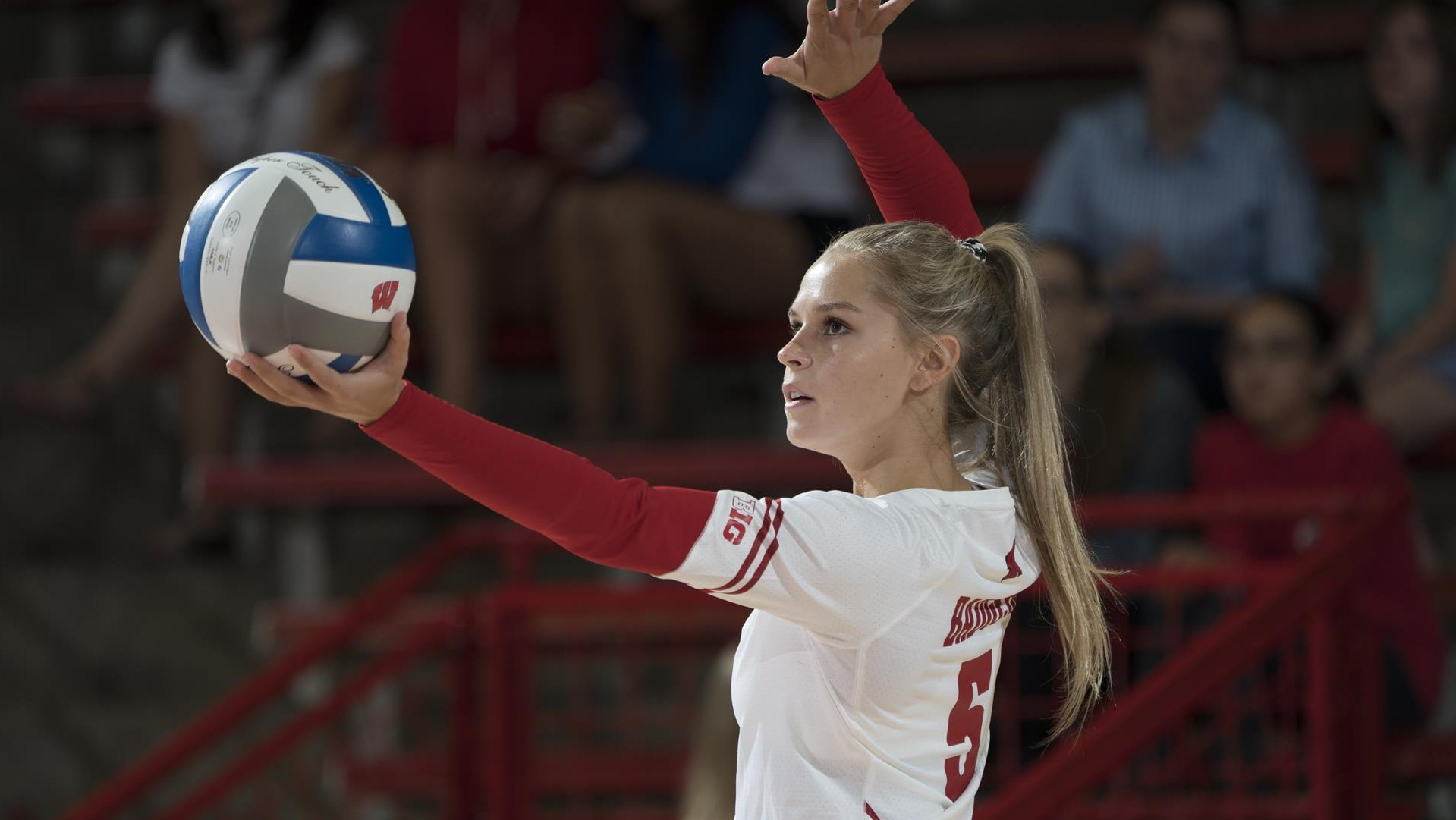 Riley Bell Volleyball Wisconsin Badgers