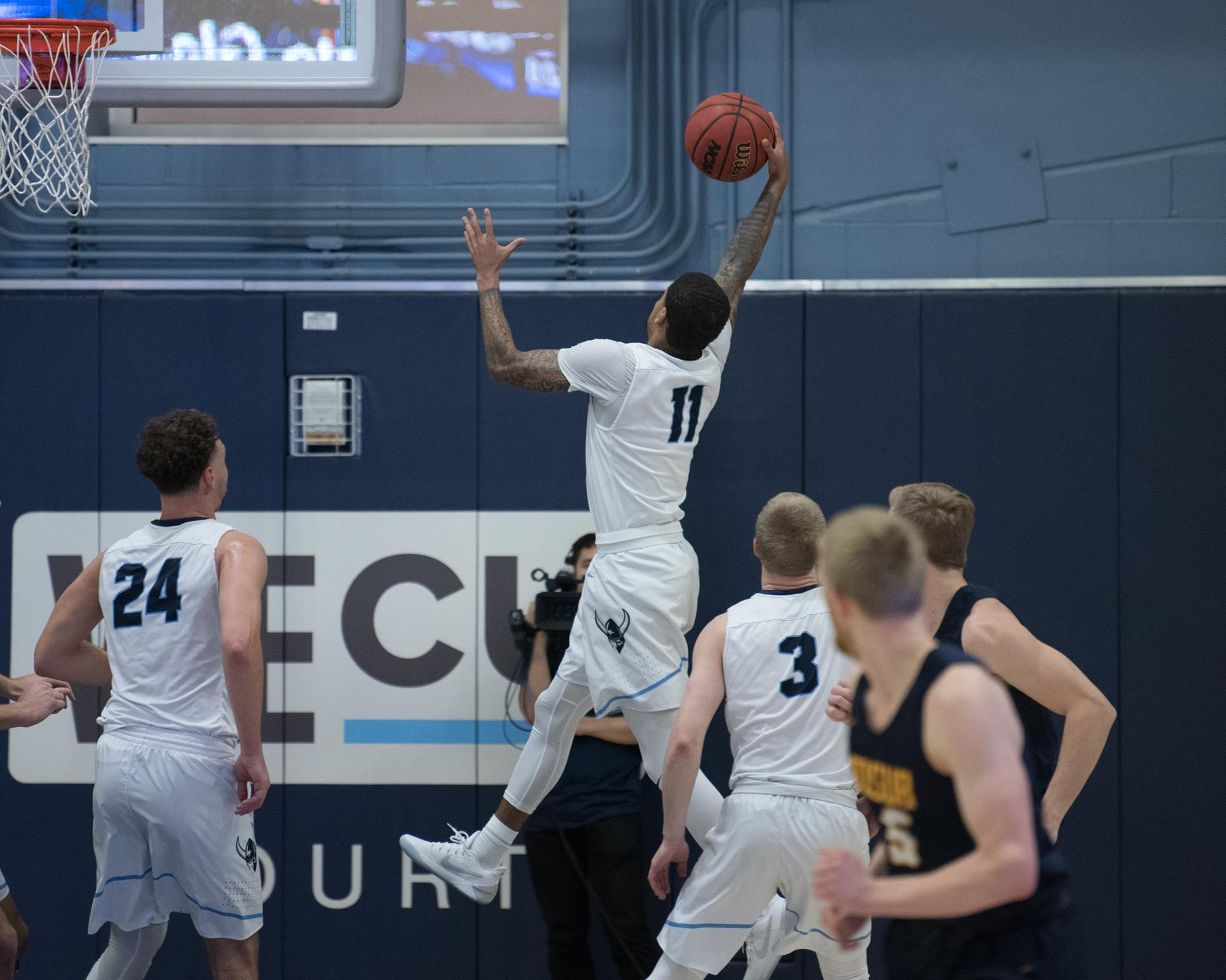 Elijah Cotton-Welch - Men's Basketball - Western Washington